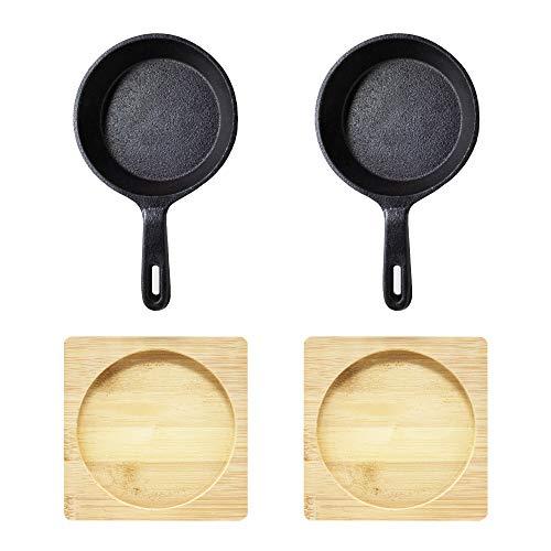ToCis Big BBQ ronde serveerpan van gietijzer in zwart als serveerpannetje tapasschaal grillschaal voor grill, oven, vuur en fornuis met praktische houten plank en 12 cm diameter