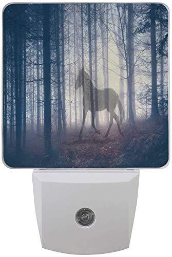1 paquete de bosque paisaje caballo LED luz nocturna crepúsculo al amanecer, sensor plug in noche, decoración de casa, lámpara de oficina para adulto.