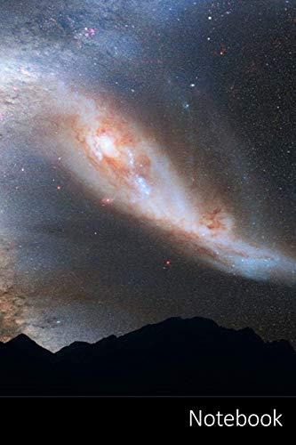 Notebook: Andromeda-Galaxie, Milchstraße, Kollision, Raum Notizbuch / persönliches Tagebuch / Schreibheft / Logbuch / Planer / Vokabelheft / Notizen - ... Seiten mit Datumslinie, glänzendes Cover.