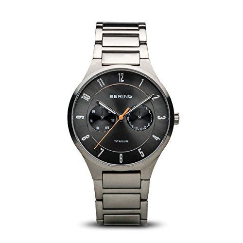 BERING Herren Analog Quarz Titanium Collection Armbanduhr mit Titan Armband und Saphirglas 11539-779