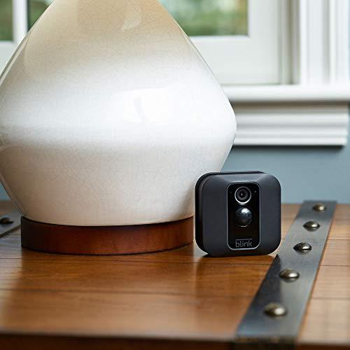 Blink XT2 (2. Gen) | Cámara de seguridad inteligente, exteriores e interiores, almacenamiento en el Cloud, audio bidireccional, 2 años de autonomía | 1 cámara