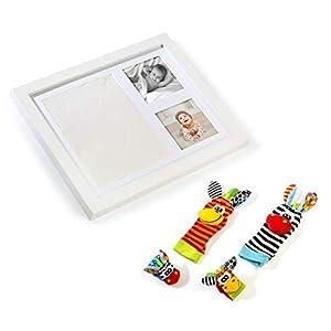 MIMUKIDS marco huellas bebe con sonajeros bebes pies y manos - regalo bebe originales marco para huella bebe con juguete para mano y pies son los mejores regalos originales para bebes recien nacidos