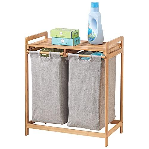 mDesign Scaffale da Bagno con Porta Biancheria – con 2 cesti per la Biancheria Estraibili con i Manici – con ripiano Ideale per sistemarvi detersivo e ammorbidente – Color bambù