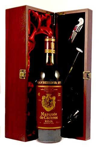 Marques de Caceres Rioja Gran Reserva 1975 en una caja de regalo forrada de seda con cuatro accesorios de vino, 1 x 750ml