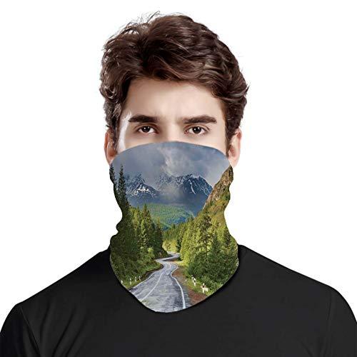 Kopftuch, Berglandschaft mit Straße, bewölktem Himmel, Kiefernbäume, Wald, Sommer, regnerischer Tag, für Outdoor, Festivals, Sport