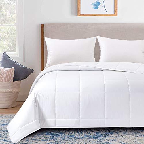 "HOMBYS Down Alternative Blanket Oversized King All Season Bed Lightweight Quilted Blanket, Super King 120"" x 98"",White"