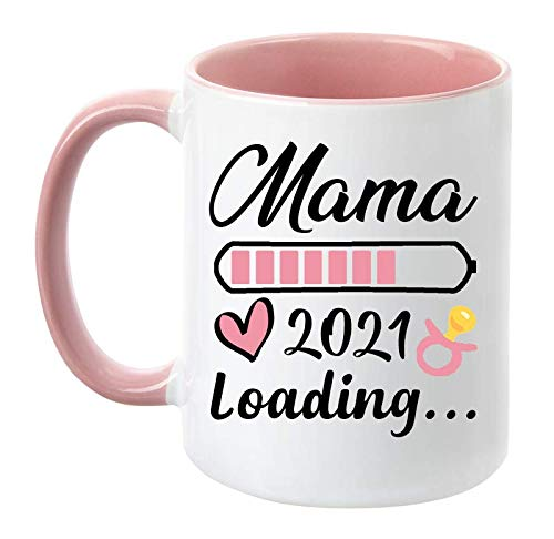 TassenTicker - 'Mama Loading 2021' - beidseitig Bedruckt - Kaffeetasse - Geschenk - werdende Mutter - Schwangere - Baby - Geschenk Tasse (Rosa)
