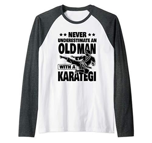 Herren Never Underestimate an Old Man...