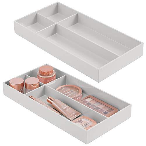 mDesign 2er-Set Kosmetik Organizer – Aufbewahrungsbox mit 4 Fächern für Kosmetikartikel wie Lippenstift, Nagellack und Co. – Schminkaufbewahrung für Bad oder Schlafzimmer – hellgrau