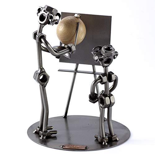 Steelman24 I Schraubenmännchen Lehrer mit Globus mit persönlicher Gravur I Made in Germany I Handarbeit I Geschenkidee I Stahlfigur I Metallfigur I Metallmännchen