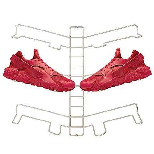 mDesign Schuhablage – verstellbares Wand Schuhregal für drei Paar Sneaker, Sportschuhe etc. – platzsparende Alternative zum Schuhschrank – mattsilberfarben