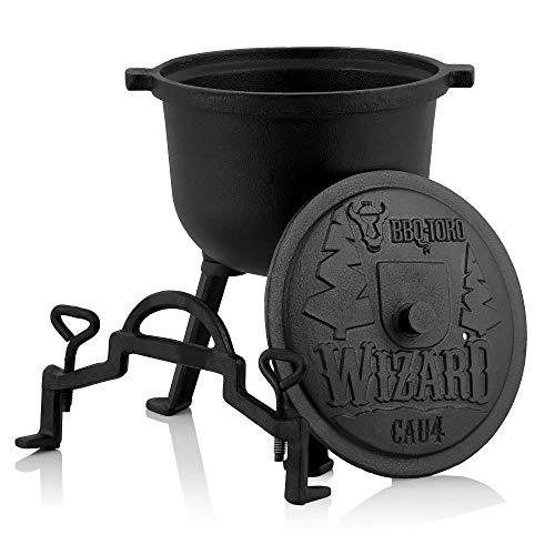 BBQ-Toro Zauberkessel Wizard | Kochtopf aus Gusseisen | Gusstopf mit DREI Beinen, Deckel, Bügel und Feststellschrauben | Hexenkessel (4 Liter)