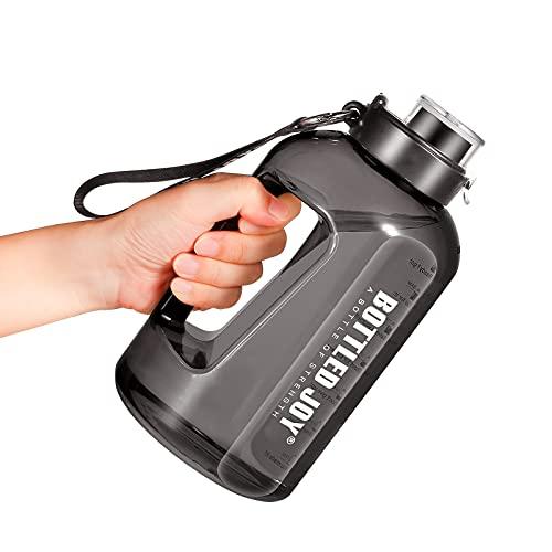 Borraccia Sportiva 1.5 Litro Bottiglia d Acqua Sportiva con Indicatore del Tempo Riutilizzabile e senza BPA Water Bottle con Spazzola per la Pulizia per Ufficio Palestra