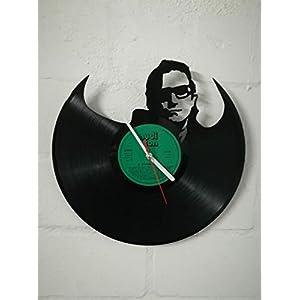 Wanduhr aus Vinyl Schallplattenuhr mit U2 Motiv upcycling design Uhr Wand-deko vintage-Uhr Wand-Dekoration retro-Uhr