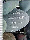 2021 Dicker Kalender – STEINE 'Aus Steinen, die einem in den Weg gelegt werden, kann man Schönes bauen.' – Ideal fürs Büro – Spiralbindung – 90g-Papier – pro Tag eine volle DIN A4 Seite Platz – Tageskalender | Bürokalender | Schreibtischkalender | extra großer Kalender | Terminkalender | Planungsbuch | TageBuch-Kalender | Notizkalender | KITA-Kalender | Rezeptions-Kalender
