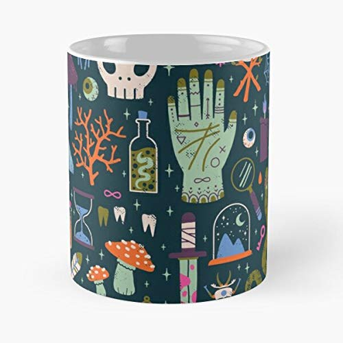 Occult Magic Spooky Cabinet Halloween Curiosities of Witch Wunderkammer Witchy Meilleur Cadeau Tasse à café 11 oz
