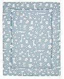 Set ALVI Baby Krabbeldecke mit Stoffwindel von Kinderhaus Blaubär | 100cmx135 cm | waschbar & weich gepolstert | ideal als Spieldecke, Krabbeldecke und Laufgittereinlage, Design:Zootiere puderblau