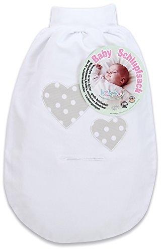 Tobi GmbH & Co. KG (Babybay) - (VSS) babybay Schlupfsack Organic Cotton mit Gurtschlitz, weiß Applikation Herz perlgrau Punkte weiß