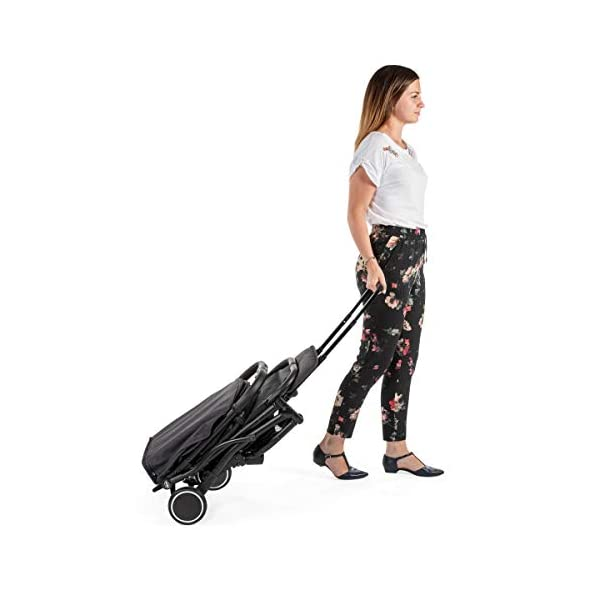 Chicco Trolley Chicco Trolley function to carry the stroller without lifting it Compact one-handed quick locking system, when closed stand alone Bumper sleeve with front opening for the child on the seat 2