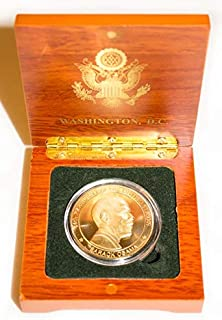 Presidential Souvenirs Barack Obama Gold Novelty Coin in Wood Box