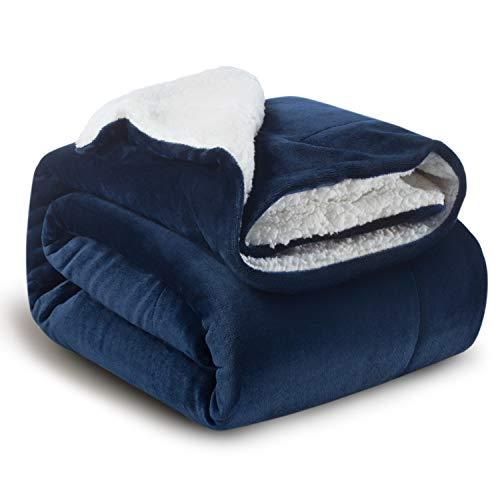 Bedsure 毛布 二枚合わせ シングル あったか シープ調 ブランケット 厚手毛布 フランネル ボア フリース生地 ネイビー 両面使える リバーシブル 柔らかく肌触り 洗える 2枚合わせ 150x200cm