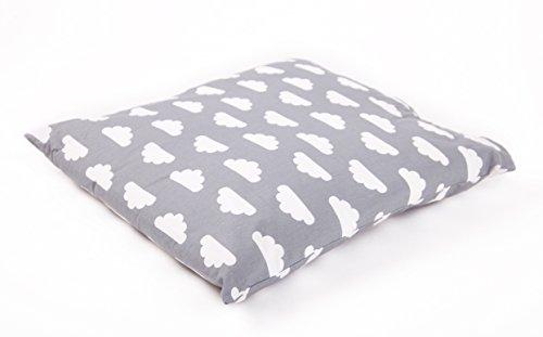 Mama Designs Housse de coussin pour chambre d'enfant 100% coton Motif nuage gris 47 x 47 cm
