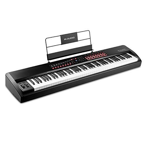 M-Audio Hammer 88 Pro – Teclado controlador MIDI USB con 88 teclas ponderadas de acción martillo, pads de ritmos, controles asignables MIDI y software