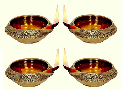 Worth Praize Decors Oil/Ghee Lamp Combo (Deepak) in Natural Gold Brass Table Diya Set (Height: 1 inch, Pack of 4)