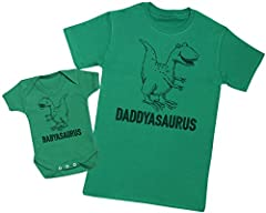 Regalo para padres y bebés en un cuerpo para bebés y una camiseta de hombre a juego