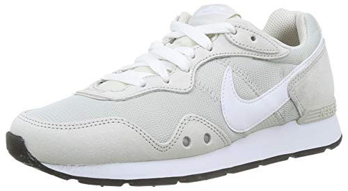 Nike Womens Venture Runner Sneaker, Light Bone/White-Light Bone,40 EU