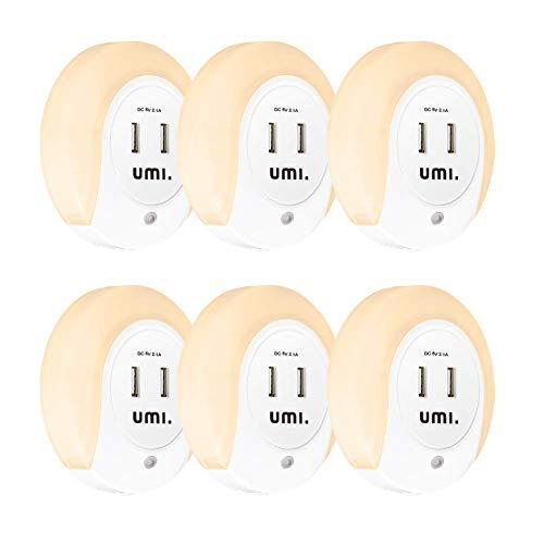 Umi. by Amazon Lampada Notturna LED da Presa – 9 lm, Rotonda – con Sensore Alba e Tramonto e Doppia Presa di Ricarica USB, Output Totale 2.1 A – Confezione da 6