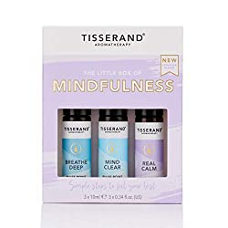 Is life moving too fast? We know the feeling. Clear your head and be present in the moment with our simple Ritual of expertly-crafted blends This beautiful kit contains 3 pulse-point Roller balls made with 100% natural pure essential oils: breathe de...