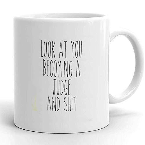 Taza de cerámica, taza de juez futuro, mira cómo te conviertes en juez, regalos para jueces nuevos, regalo divertido para juez, taza de café para juez de la corte, taza judicial, regalo para j
