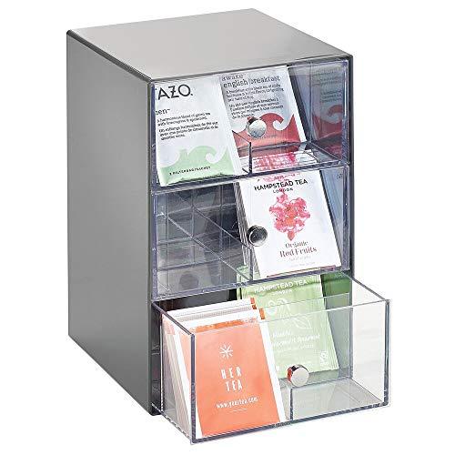 mDesign Küchen Organizer mit 3 Schubladen – Aufbewahrungsbox für Teebeutel, Kaffeepads, Süßungsmittel und mehr – Teekiste mit 18 Fächern aus Kunststoff – dunkelgrau und durchsichtig