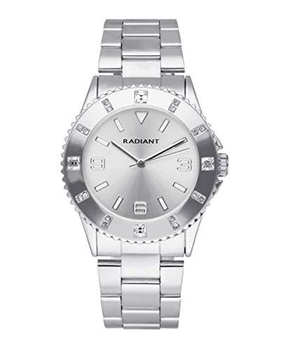 Reloj analógico para Mujer de Radiant. Colección Gaia. Reloj Plateado con Brazalete y Esfera Plateada. 3ATM. 39mm. Referencia RA567201.