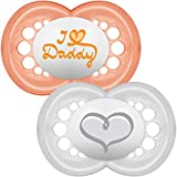 MAM Style 6+M Chupete I Love Daddy (Pack de 2), Baby Essentials Set con dos chupetes en forma de mariposa, incluye estuche esterilizador, melocotón