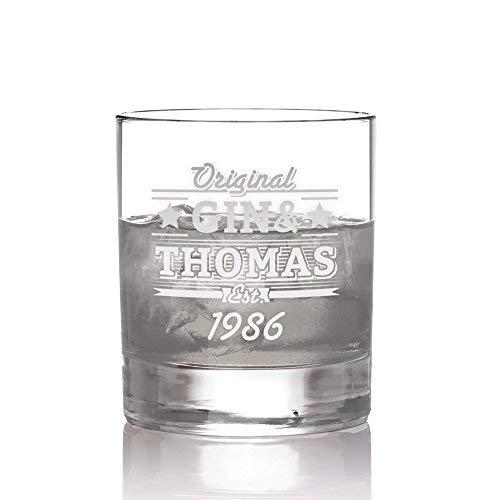 AMAVEL Ginglas mit Gravur, Personalisiert mit Namen und Jahreszahl, Tumbler, Gin & Tonic, Füllmenge: 320 ml, Trinkglas für Gin