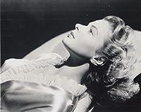 大きな写真、イングリッド・バーグマン、清楚な寝姿