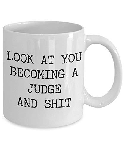 Taza de café divertida Taza de té para hombres Mujeres Futuro juez Taza Taza Mírate Convertirse en Jueces para nuevos jueces Divertido para un juez Taza de café Juez de la corte Judicial para