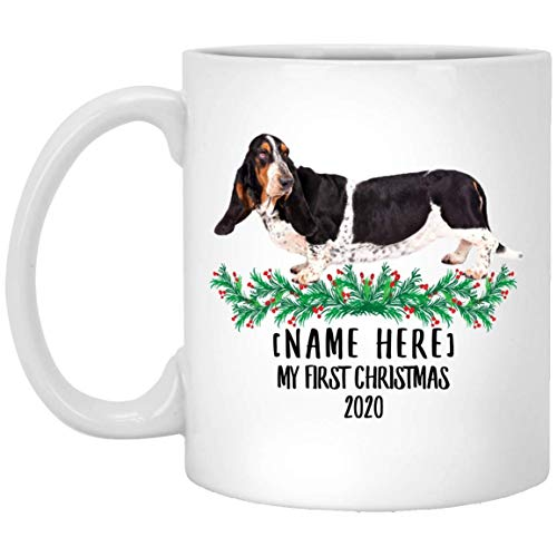 Divertido nombre personalizado Basset Hound negro blanco Primera Navidad 2020 taza de café blanco 11 oz