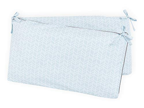 KraftKids Protector de cuna con estampado de plumas blancas sobre azul, para cuna de 140 x 70 cm, nido de bebé con funda exterior separada.
