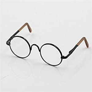 Pair of cute retro hippy style round metal frame clear lens eye glasses eyewear for dolls A great accessory collection for your beloved dolls and make them more fashionable and charming Lens diameter: Approx. 2.6cm/ 1.02inch. Glasses leg length: Appr...