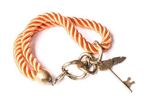 Pulsera de dos filas de cuerdas de color naranja con latón antiguo color cadena bucles, llave, plumas y corazón metálico dijes Stunnig joyería para mujer (T642)