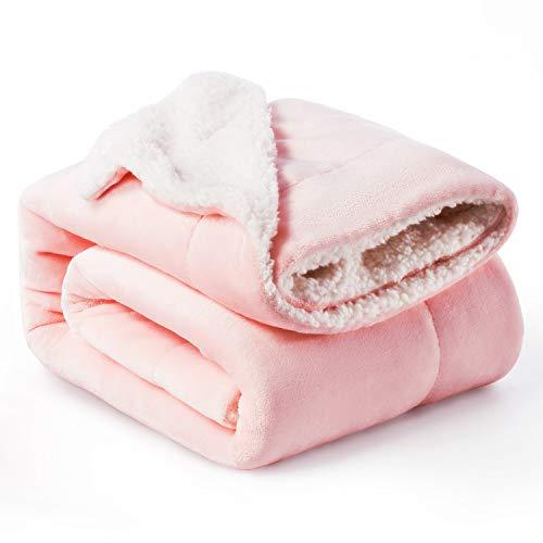 BEDSURE Sherpa Decke Rosa hochwertige Wohndecken Kuscheldecken, extra Dicke warm Sofadecke/Couchdecke in zweiseitig, 150x200 cm super flausch Fleecedecke als Sofaüberwurf oder Wohnzimmerdecke