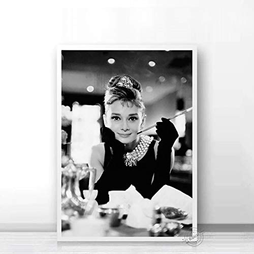 Audrey Hepburn Poster Movie Star Prints Nordic Black White Wall Art Canvas Painting Wall Pictures For Living Room Home Decor a73 50X70cm