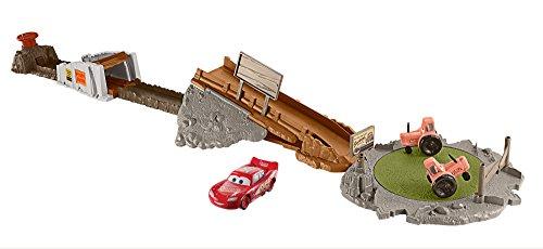 Disney - Cars- Pista Sfida Smokey-con Un Veicolo Incluso-3 modalità di Gioco e Trattori Rotanti, Multicolore, FLK03