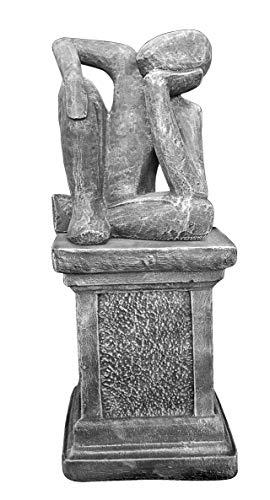 Tiefes Kunsthandwerk Steinfigur Träumer auf Säule in Schiefergrau, abstrakte Deko-Figur für Haus und Garten, Moderne Statue als Garten-Figur