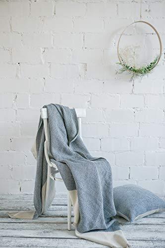 Langdhuus stilvolle Kuscheldecke aus 100% Leinen   150 x 200 cm   zweifarbig gewebtes Plaid mit Fransen   Tagesdecke   Couchdecke   Sofadecke (Luisenblau)