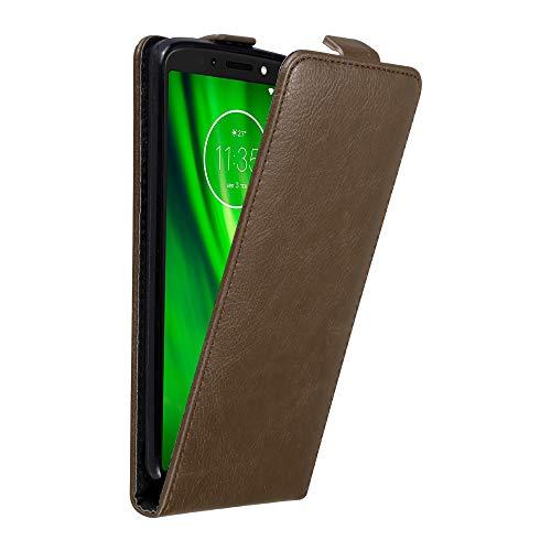 Cadorabo Hülle für Motorola Moto G6 Play in Kaffee BRAUN - Handyhülle im Flip Design mit unsichtbarem Magnetverschluss - Hülle Cover Schutzhülle Etui Tasche Book Klapp Style