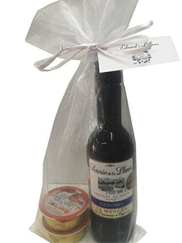 Recuerdo de comunión con vino Señorío de los Llanos y dos monodosis de patés en bolsa de organza (Pack 24 ud)